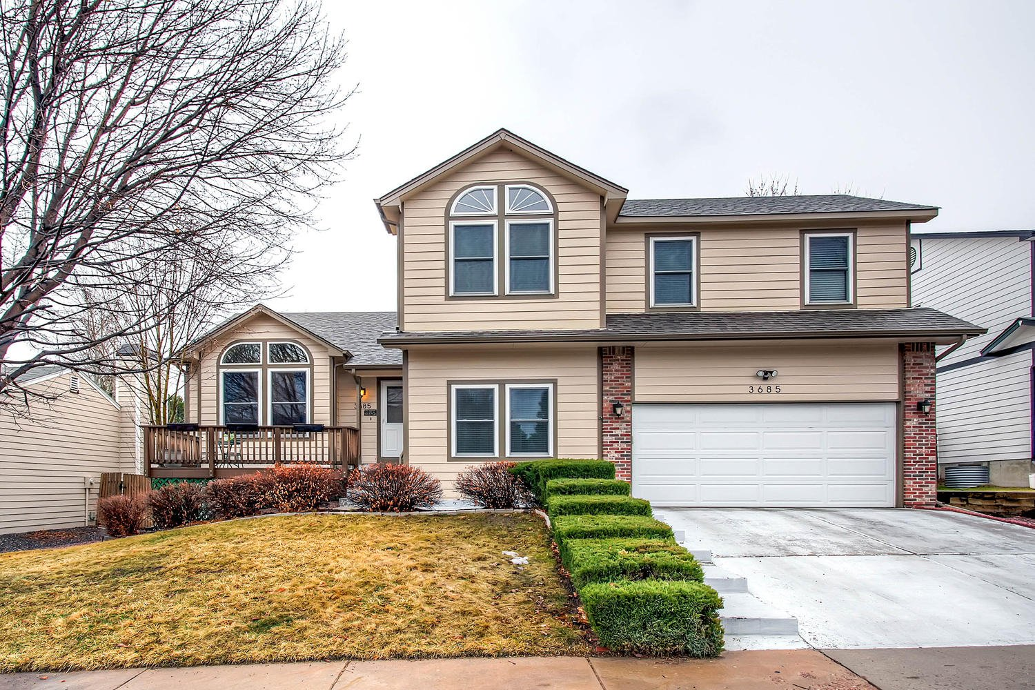 Live In Walking Distance To Cottonwood Creek Park