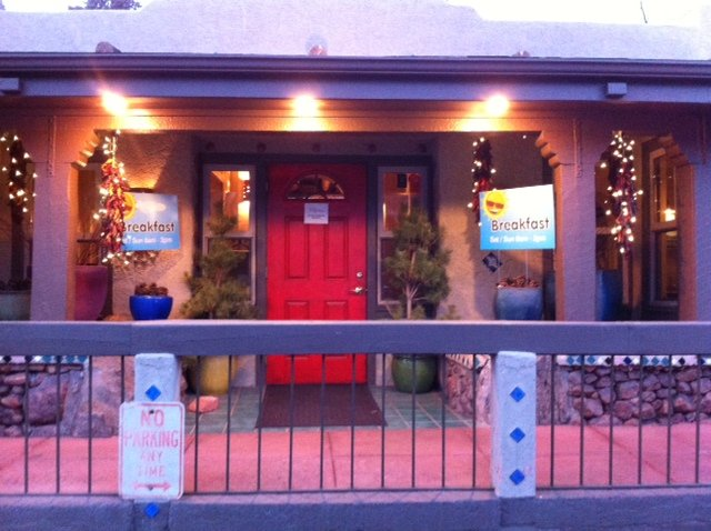 Picture of exterior front of Crystal Park Cantina in Manitou Springs