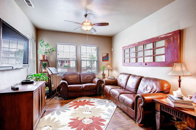 121 Eclipse Dr Colorado-small-004-Living Room-666x444-72dpi