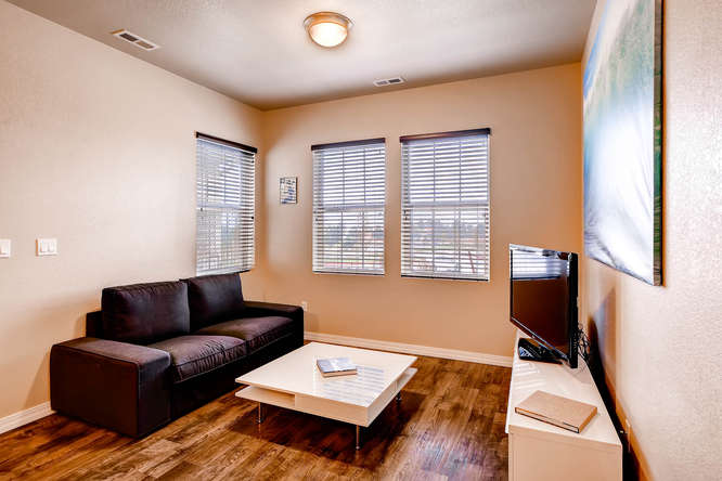 1831 Portland Gold Dr Colorado-small-006-Living Room-666x445-72dpi