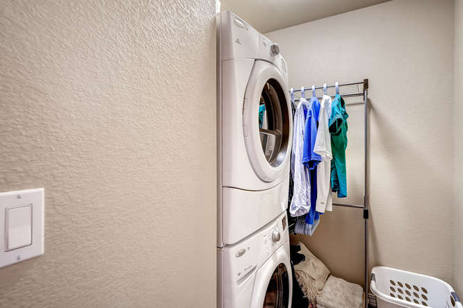 1831 Portland Gold Dr Colorado-small-025-2nd Floor Laundry Room-666x445-72dpi