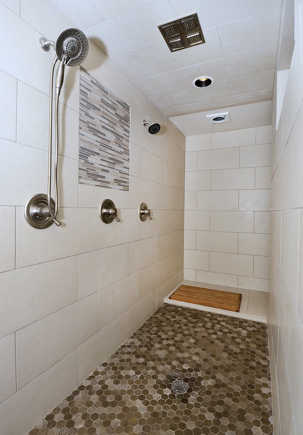 Picture of 2nd master bath shower in 1602 Gold Hill Mesa Dr Colorado Springs CO