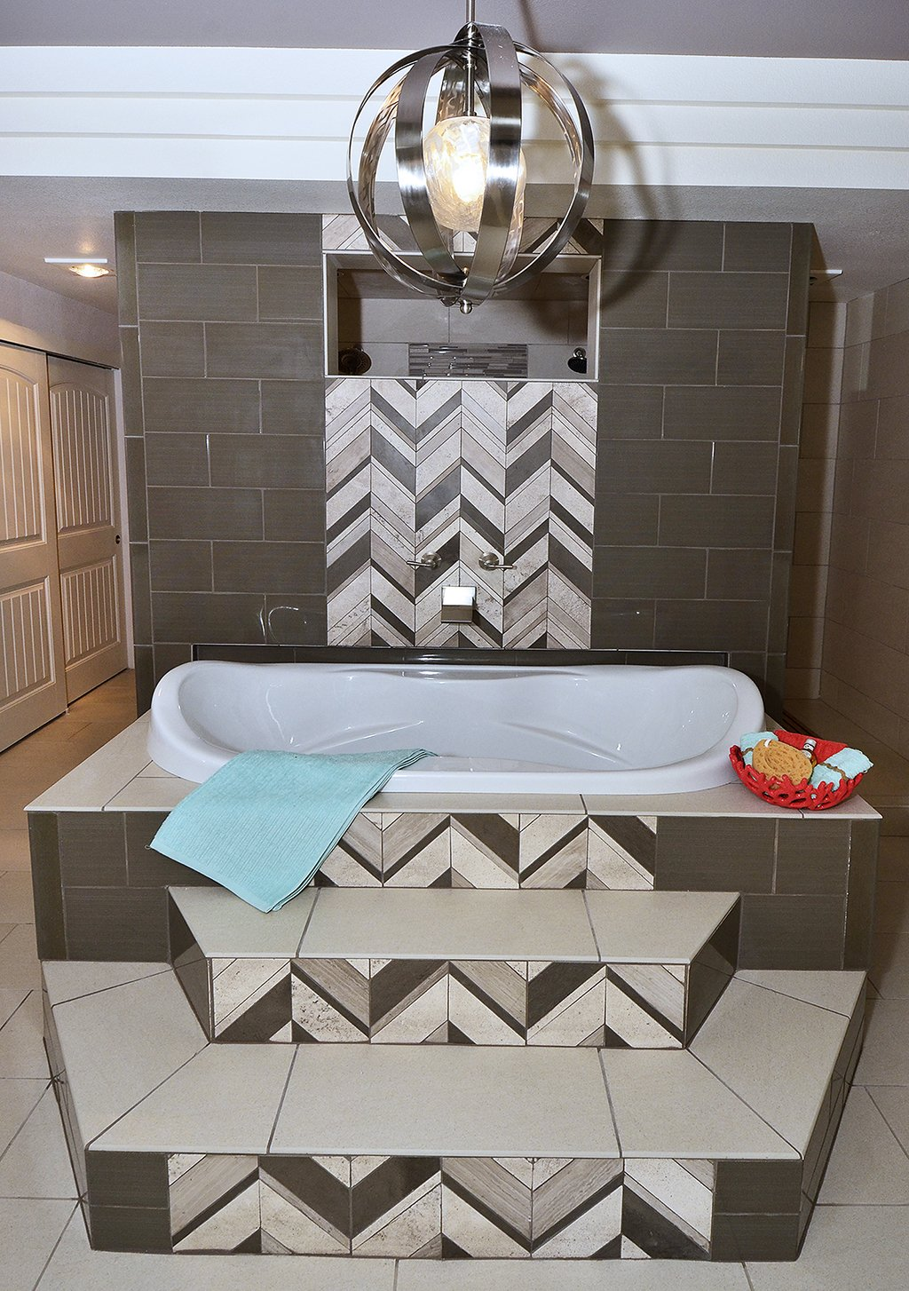 Picture of 2nd master bathroom 1602 Gold Hill Mesa Dr Colorado Springs CO