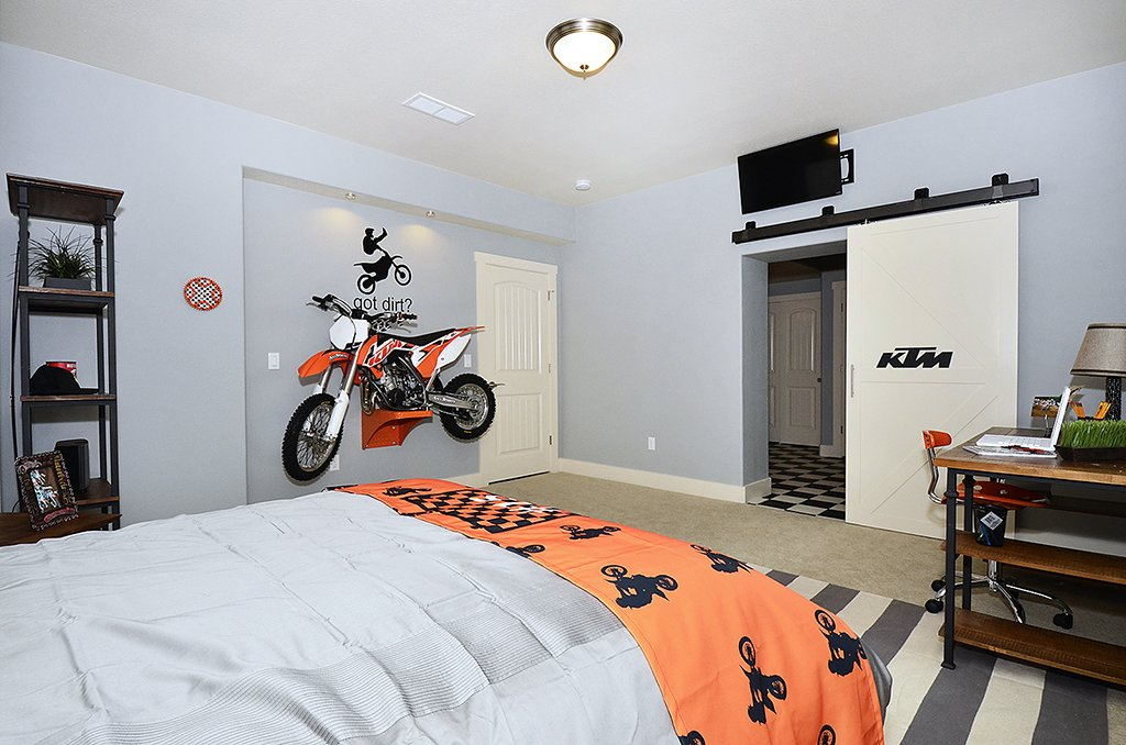 Picture of boys bedroom in 1602 Gold Hill Mesa Dr Colorado Springs CO