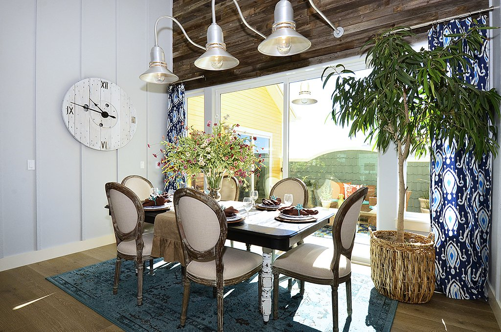 Picture of dining area in 1602 Gold Hill Mesa Dr Colorado Springs CO