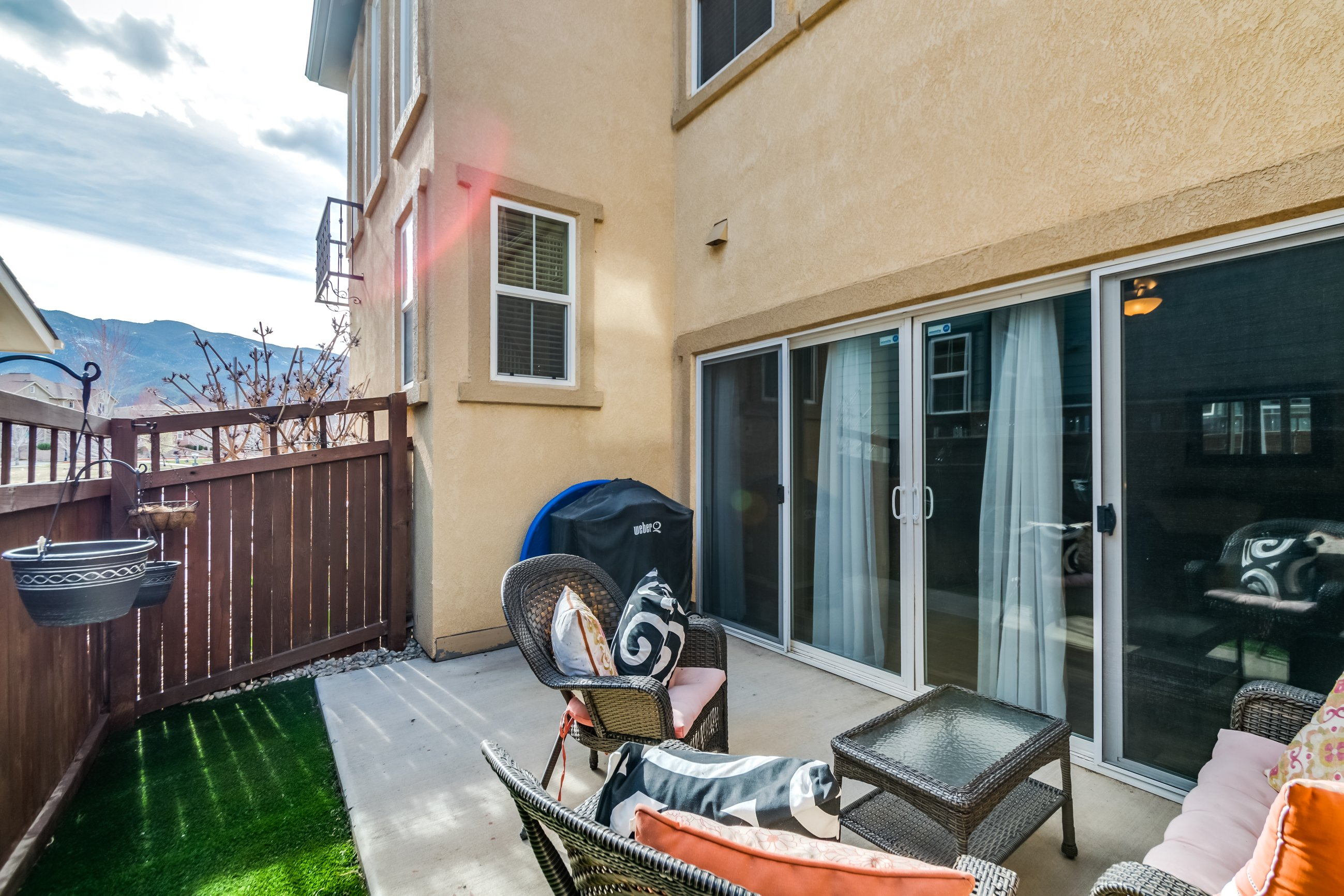 Gold hill mesa home for sale, picture of outdoor patio and yard